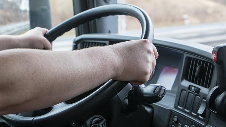 Zuviel Gewicht? Reifen abgefahren? Lenk- und Ruhezeiten überschritten? Bußgelder müssen die Lkw-Transporteure nicht fürchten, denn Kontrollen auf Bundes- und Länderebene sind selten.