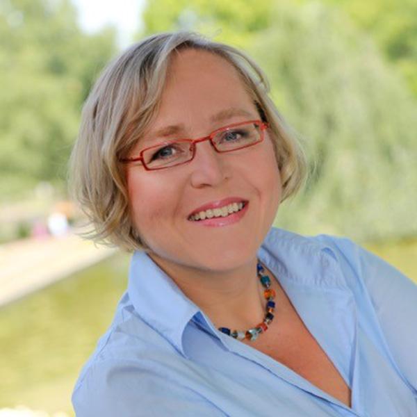 Kerstin Haarmann (VCD) sitzt in der Jury Eisenbahner mit Herz der Allianz pro Schiene.