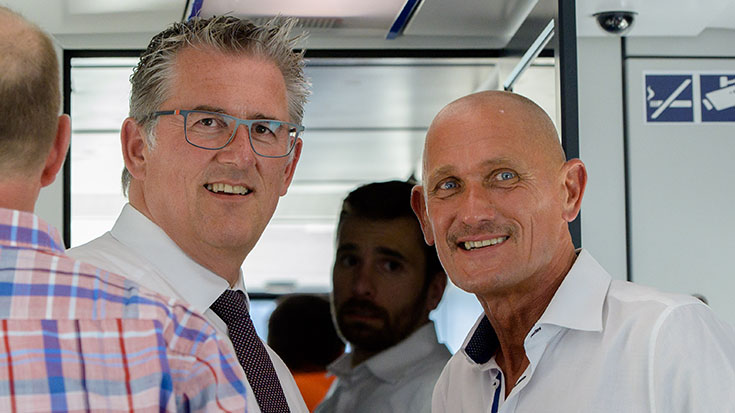 Sichtlich beeindruckt von der Zugfahrt: CDU-Politiker Michael Donth und Allianz pro Schiene-Förderkreissprecher Manfred Fuhg.