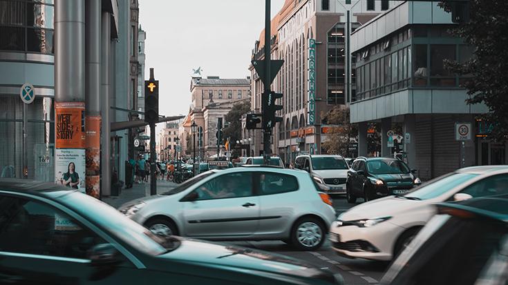 Der Verkehr und seine externen Kosten: Die Schäden fürs Klima, durch Unfälle und Lärm summieren sich in Deutschland auf 149 Milliarden Euro pro Jahr.
