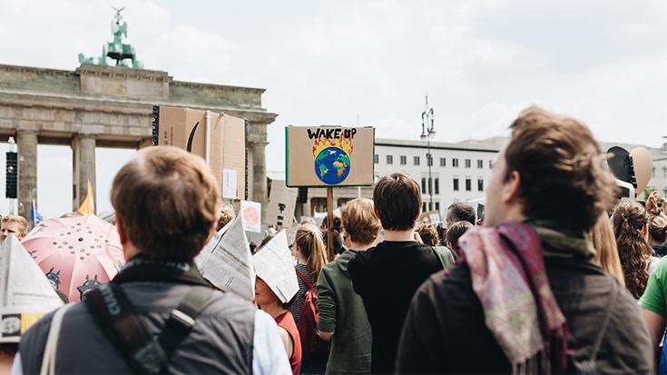 Weckruf fürs Klimakabinett: Mit halbherzigen Aktionen gibt sich gerade die junge Generation nicht zufrieden.