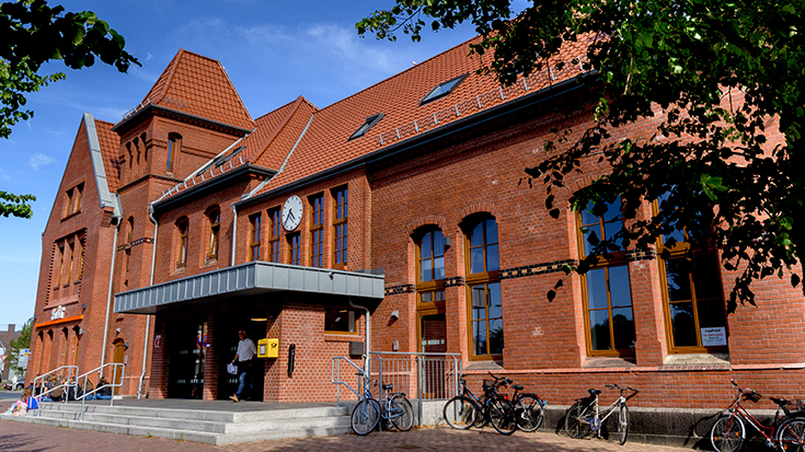 Der Bahnhof Cuxhaven wurde mit dem Sonderpreis des Bahnhof des Jahres 2019 ausgezeichnet | Allianz pro Schiene