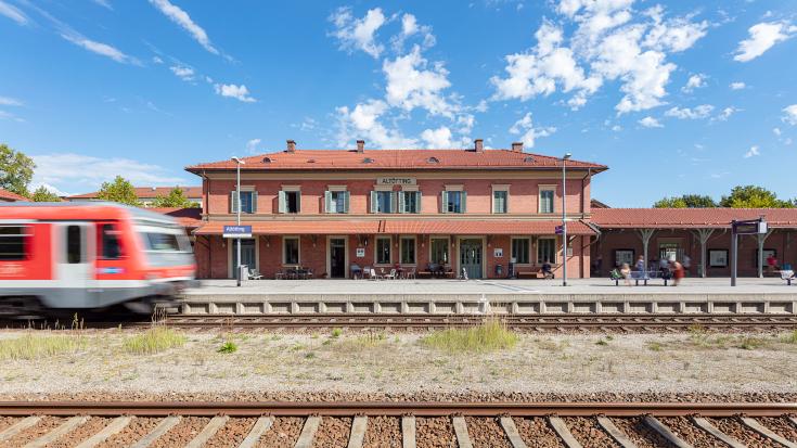 Der Bahnhof des Jahres 2020 steht in Altötting!