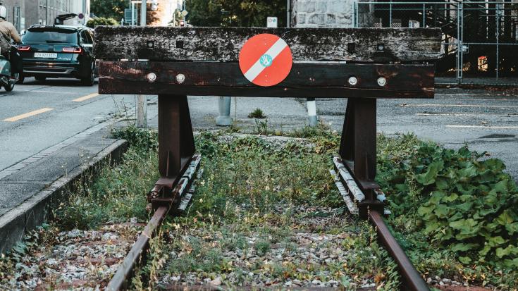 Wenn Gleise ins Leere führen: Häufig fehlt in Gewerbegebieten ein Gleisanschluss.