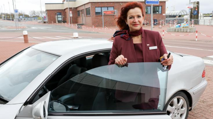 Mit dem privaten Auto für Kunden unterwegs.