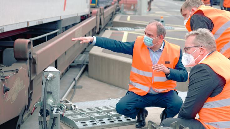 Genauer im Blick: Luxemburg denkt die Verkehrspolitik ganzheitlich. Dazu gehört selbstverständlich auch die Verlagerung von Gütern auf die Schiene.
