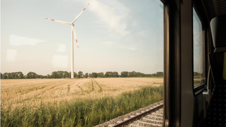 Bahnfahren ist umweltfreundlich.